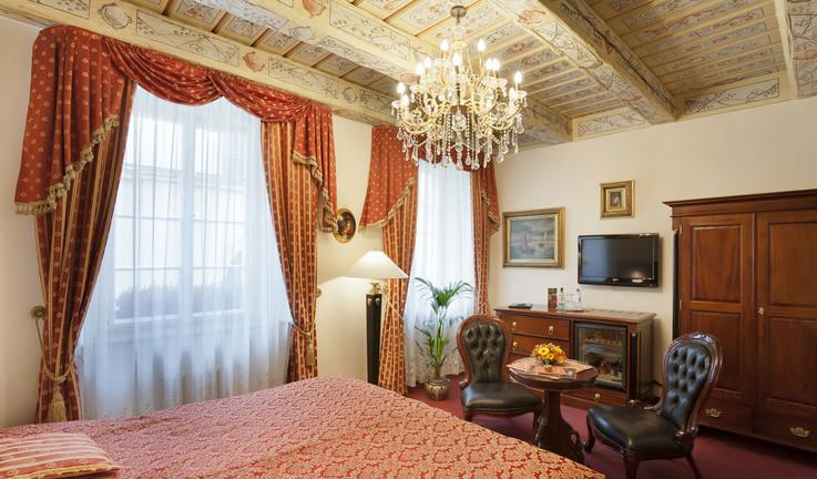 「Hotel U Zlateho Stromu」Karlova 6, Prague 110 00, Czech Republic