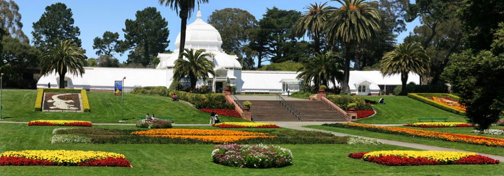 Conservatory_of_Flowers_in_Golden_Gate_Park,_San_Francisco