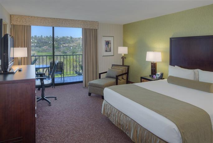 「Crowne Plaza San Diego - Mission Valley」2270 Hotel Circle North, Mission Valley West