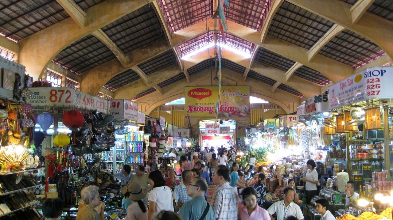 ホーチミンおすすめエリア2:ベンタン市場
