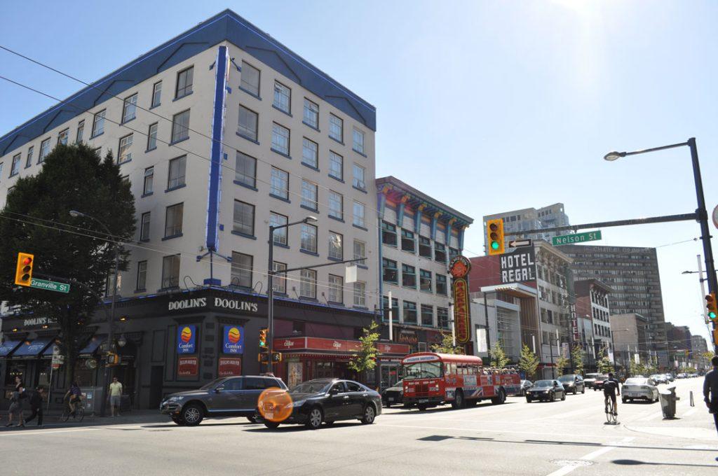 Vancouver,_BC_-_Granville_Street_05