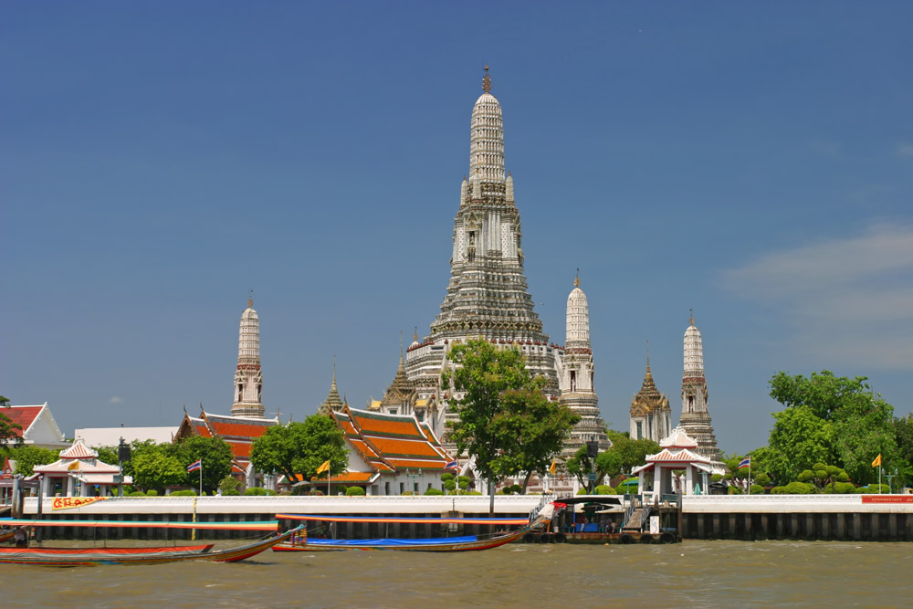 Wat_Arun_from_Chao_Phraya_River