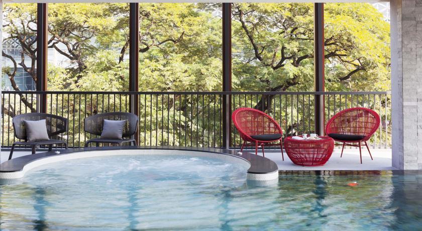 2Fのプール。25mプールなので広さはないのですが、あまり泳いでいる人もいないのでのんびり使えます。