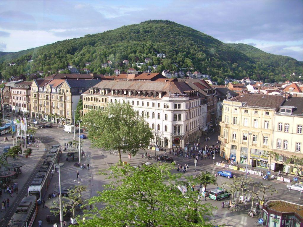 Bismarckplatz_und_Heiligenberg_Heidelberg