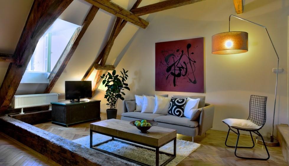 Castle_View_Apartment