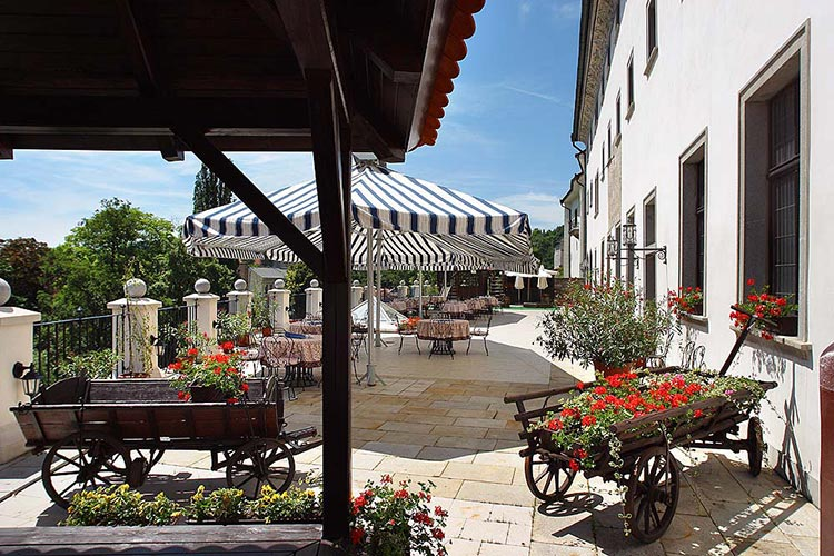 hotel-ruze-patio