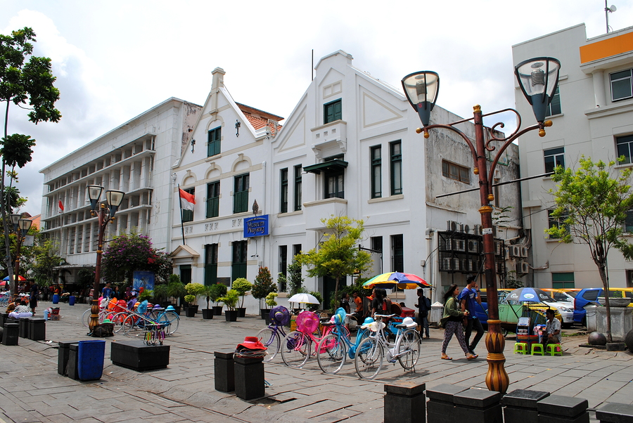 Colonial buildings and bicycles for hire in the old town of Jaka
